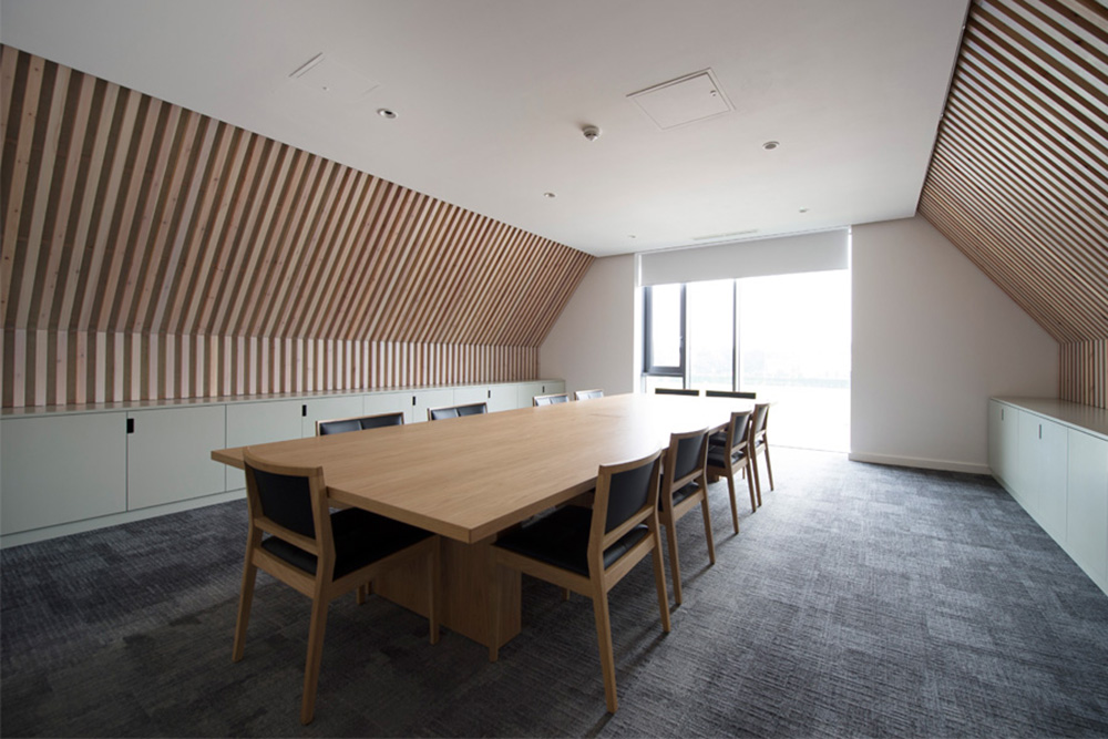Executive meeting room office interior design, nikkirees.com, office interior design kings college school Wimbledon