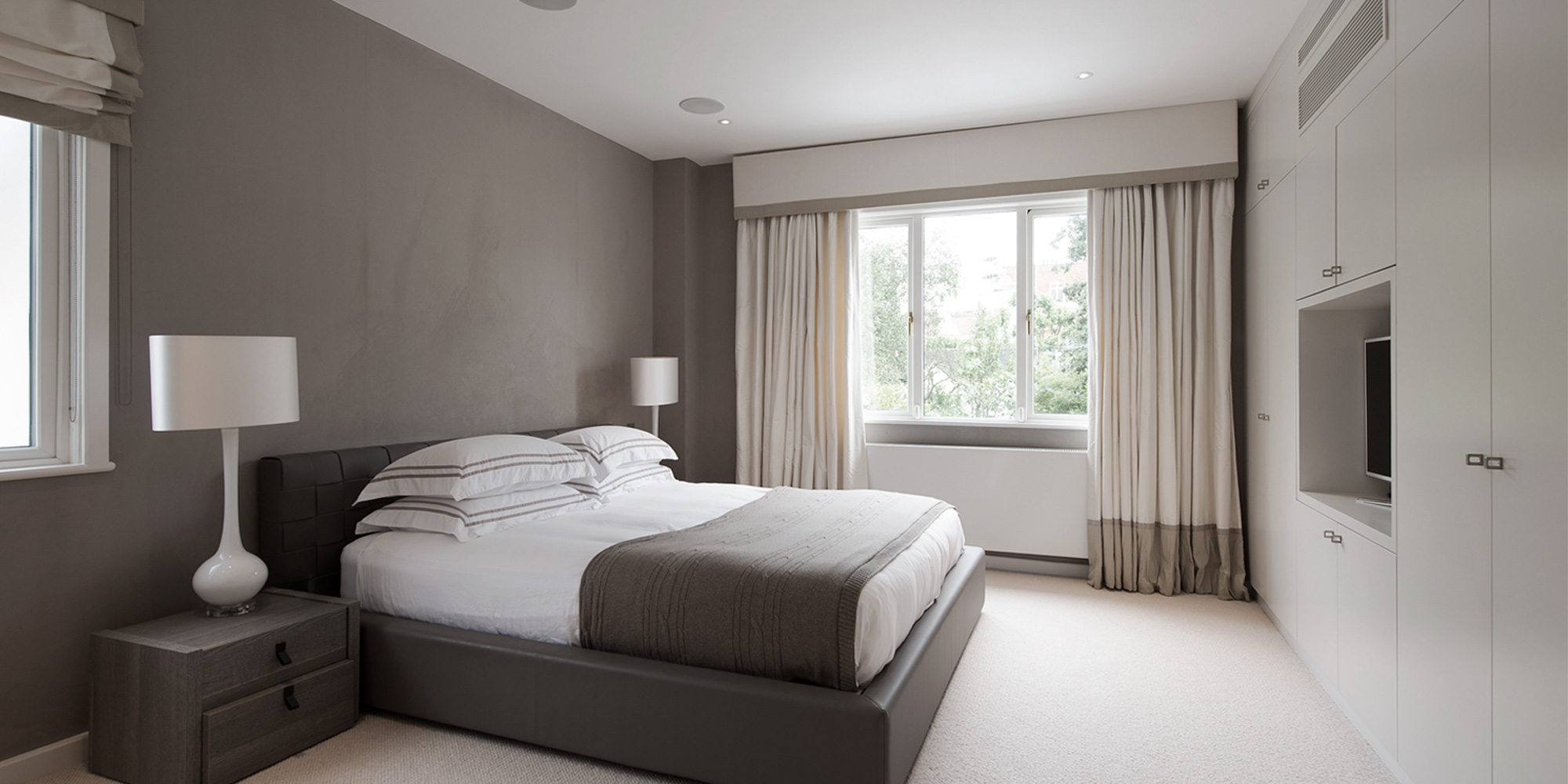 2-nikki-rees-luxury-bedroom-interior