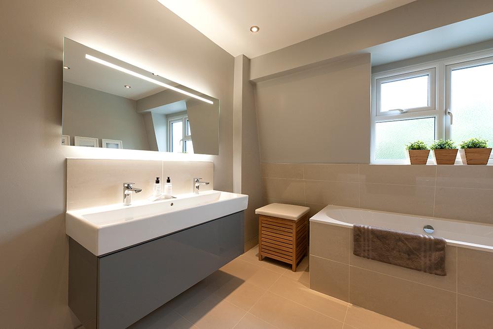 Grey modern Bathroom interior, Wimbledon Interior Designer, Nikkirees.com