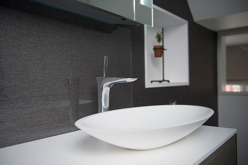 4-nikki-rees-ensuit-wallpaper-interior-design-wimbledon-london