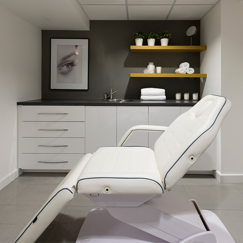 Eden Skin Clinic, Laser treatment room, Beauty salon, Nikkirees.com, media spa interior design, workspace consultancy, Interior designer Wimbledon London