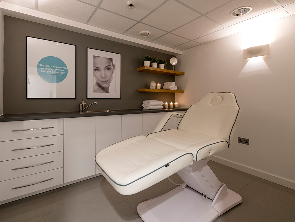 Eden Skin Clinic, treatment room, Beauty salon, Nikkirees.com, media spa interior design, workspace consultancy, Interior designer Wimbledon London