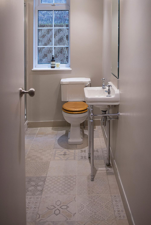 patterned tiled floor, bathroom interior design, Nikkirees.com, Wimbledon Interior designer, london and surrey interior design