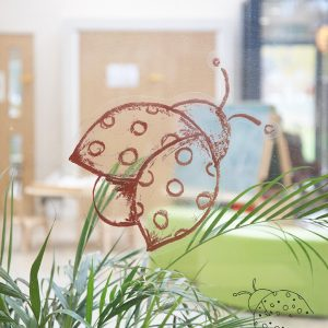 10-Decorcafe-nikki-rees-childbase-partnership-nursery-lady-bird-glass-decal copy
