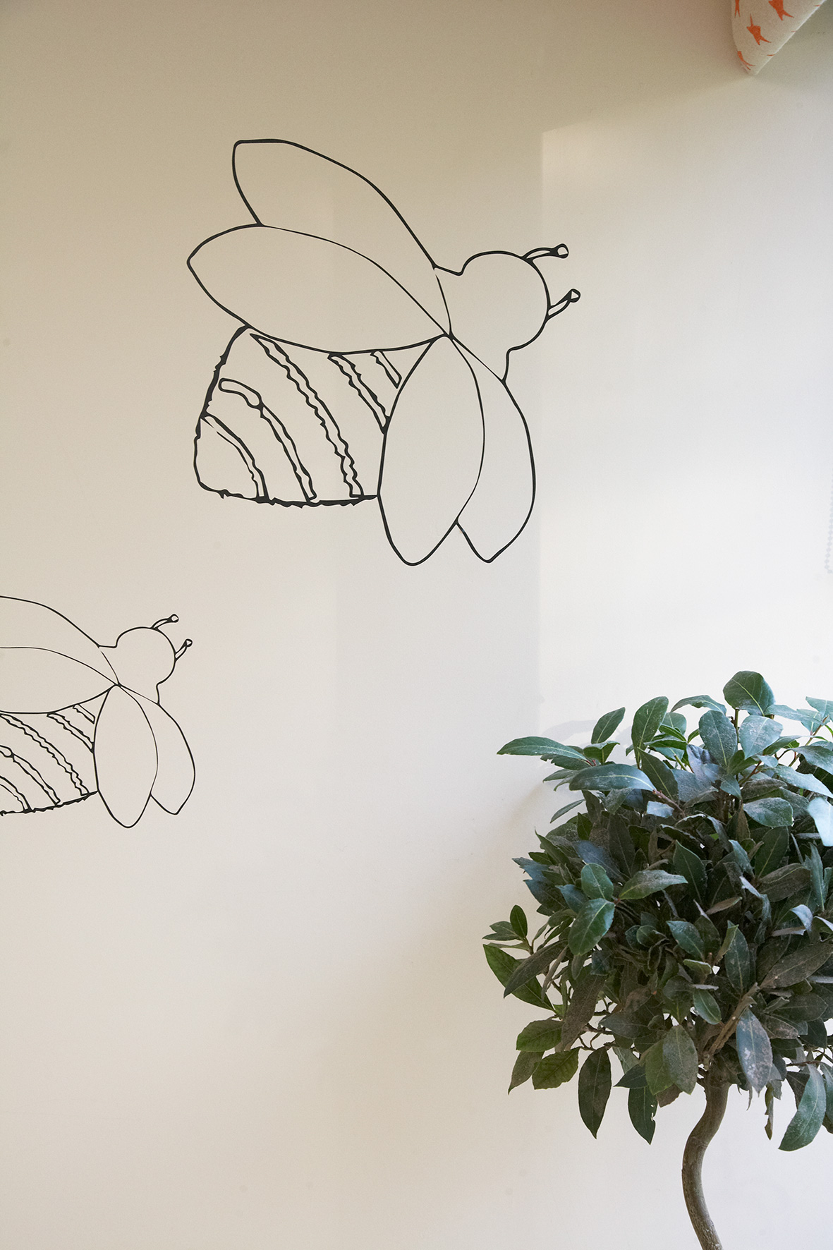 17-Decorcafe-nikki-rees-childbase-partnership-nursery-bumble-bee-wall-decals-indoor-plant