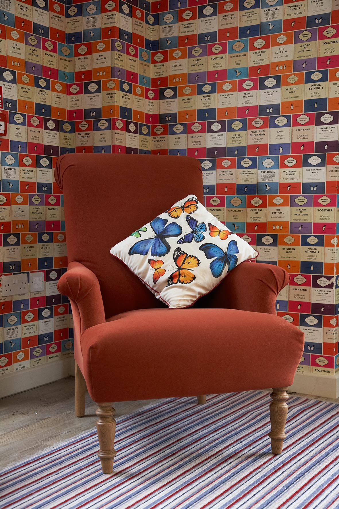5-Decorcafe-nikki-rees-butterfly-room-nursery-sofa.com-armchairinterior-design